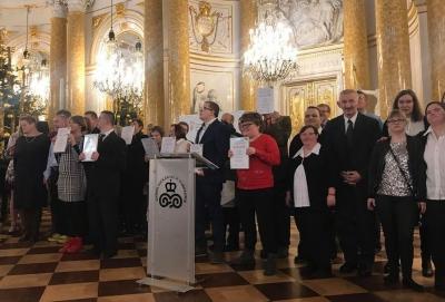"""GALA FINAŁOWA XVI EDYCJI OGÓLNOPOLSKIEGO KONKURSU PLASTYCZNEGO PFRON"""""""
